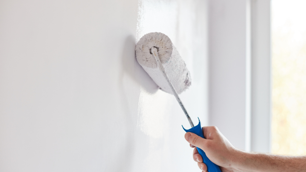 How to paint a wall in 5 easy steps